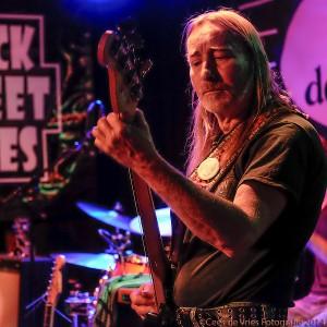 Bassist Dik Kollen. (Foto: Cees de Vries)