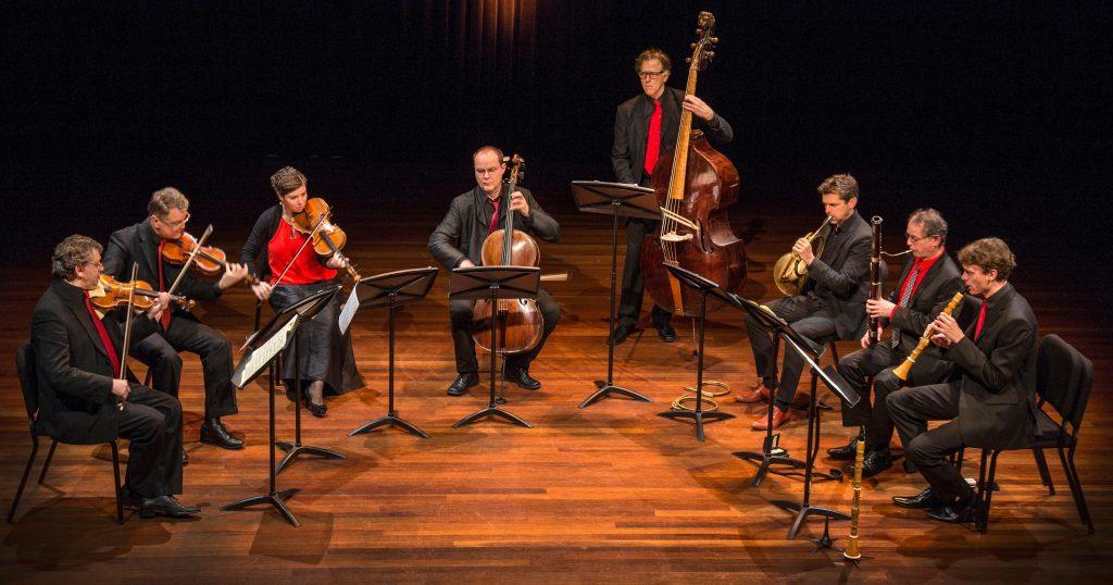 Het Apollo Ensemble, met links vooraan David Rabinovich. Foto: Studio Wierd
