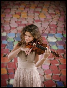 Nederland, Amsterdam 4 juni 2011 Lonneke van Straalen, violist Foto: Merlijn Doomernik