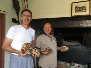 Bijzonder bakproject: 'Pothbrood' uit historische broodoven