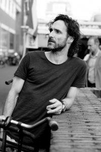 Javier Guzman - Sinterklaasconferentie 2018 -uitverkocht- @ Theater De Tuin | Leusden | Utrecht | Nederland