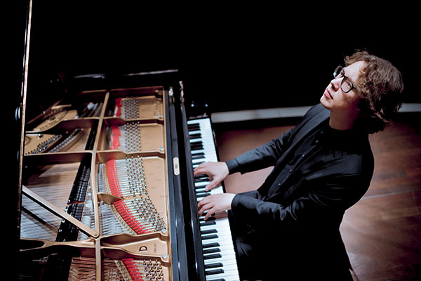 Hannes Minnaar: Bachs Goldberg Variations @ Hilton Royal Parc