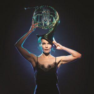 Angela Schijf op stap met Mozart (6+) Kleine Nachtmuziek @ Flint
