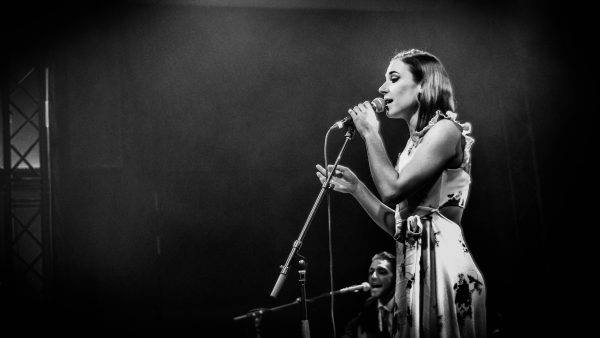 Diona Fox & Her Ragdolls @ Café Miles