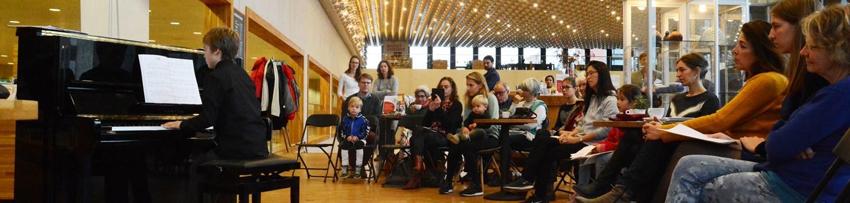 Biebconcert @ Café De Draak